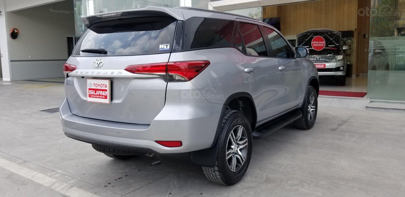 Cần mua bán Toyota Fortuner 2.4G dầu T7/2019, bạc lướt 7.500km, giá rẻ (7)