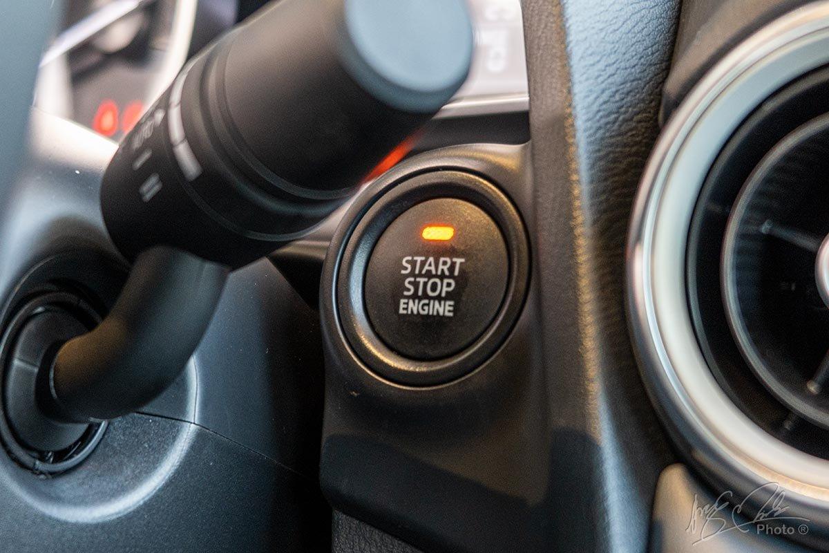 Đánh giá xe Mazda 2 2020: Nút bấm khởi động thông minh.