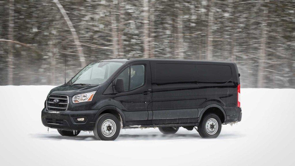 Giá xe Ford Transit 2019 cũ
