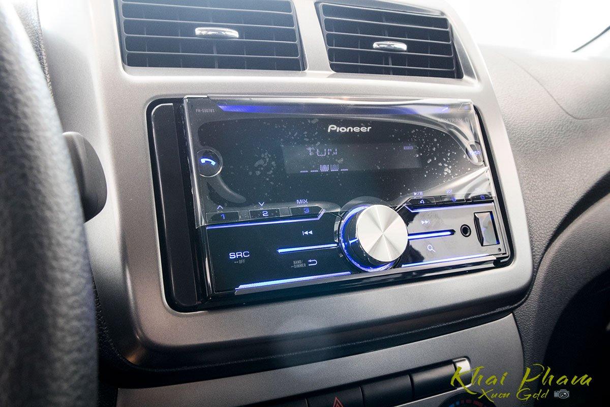 Ảnh chụp đầu CD xe Toyota Wigo 2020