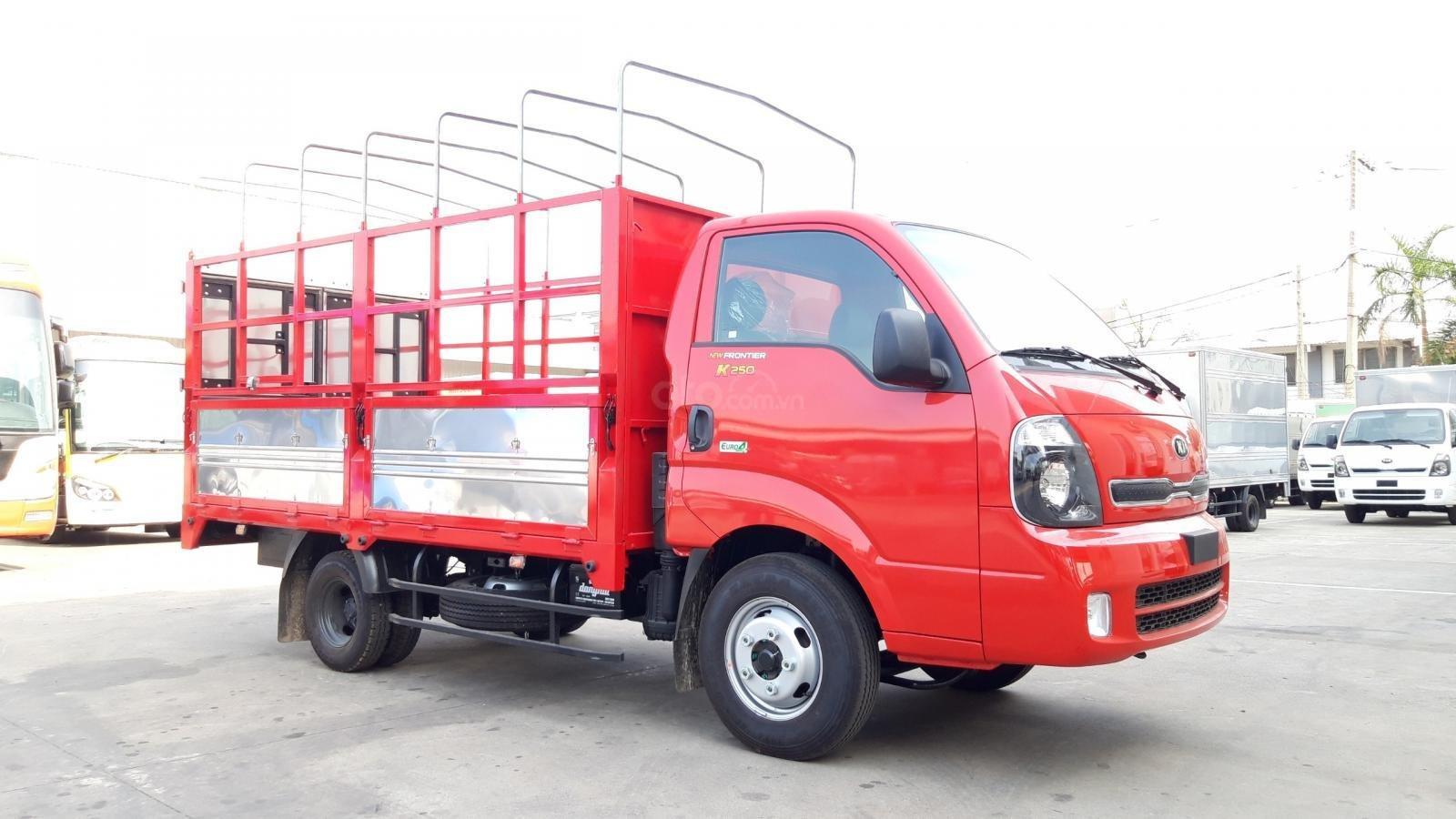 Xe tải Thaco Kia 2T4 tải trọng vào thành phố, động cơ Hyundai nhập khẩu 100% (1)