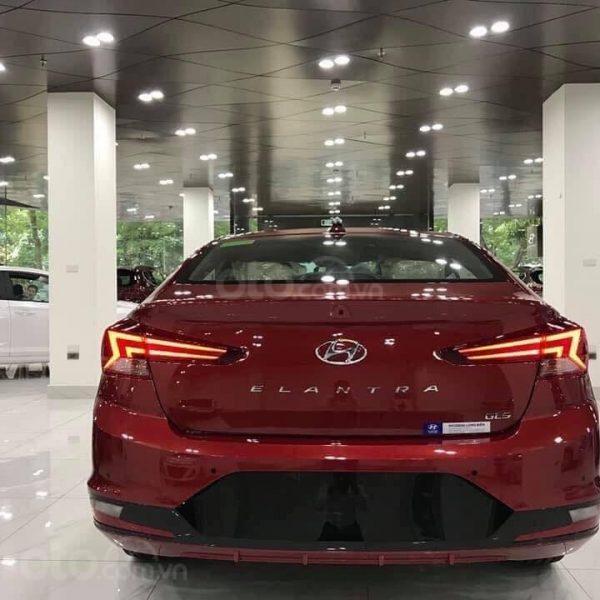 Bán Hyundai Elantra năm sản xuất 2020, giá cạnh tranh (3)