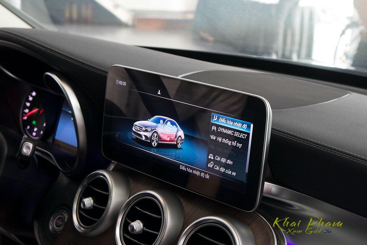 Hình ảnh màn hình xe Mercedes-Benz C 200 Exclusive 2020 11