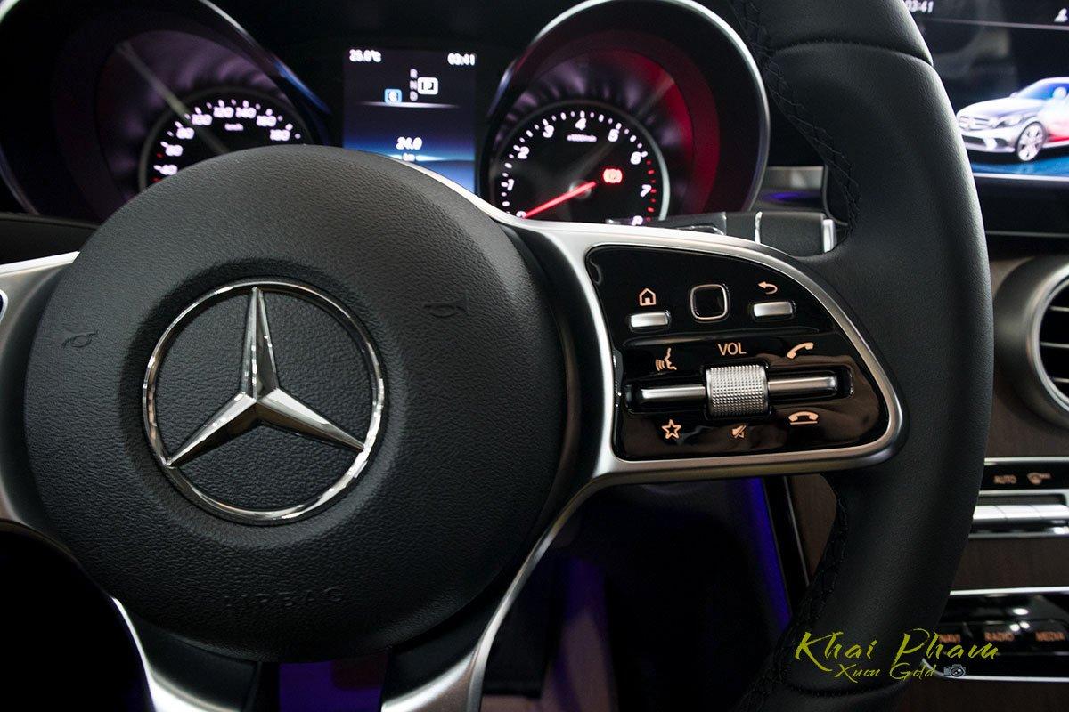 Hình ảnh nút bấm vô-lăng xe Mercedes-Benz C 200 Exclusive 2020 1