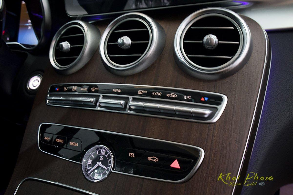 Hình ảnh cụm điều hoà xe Mercedes-Benz C 200 Exclusive 2020
