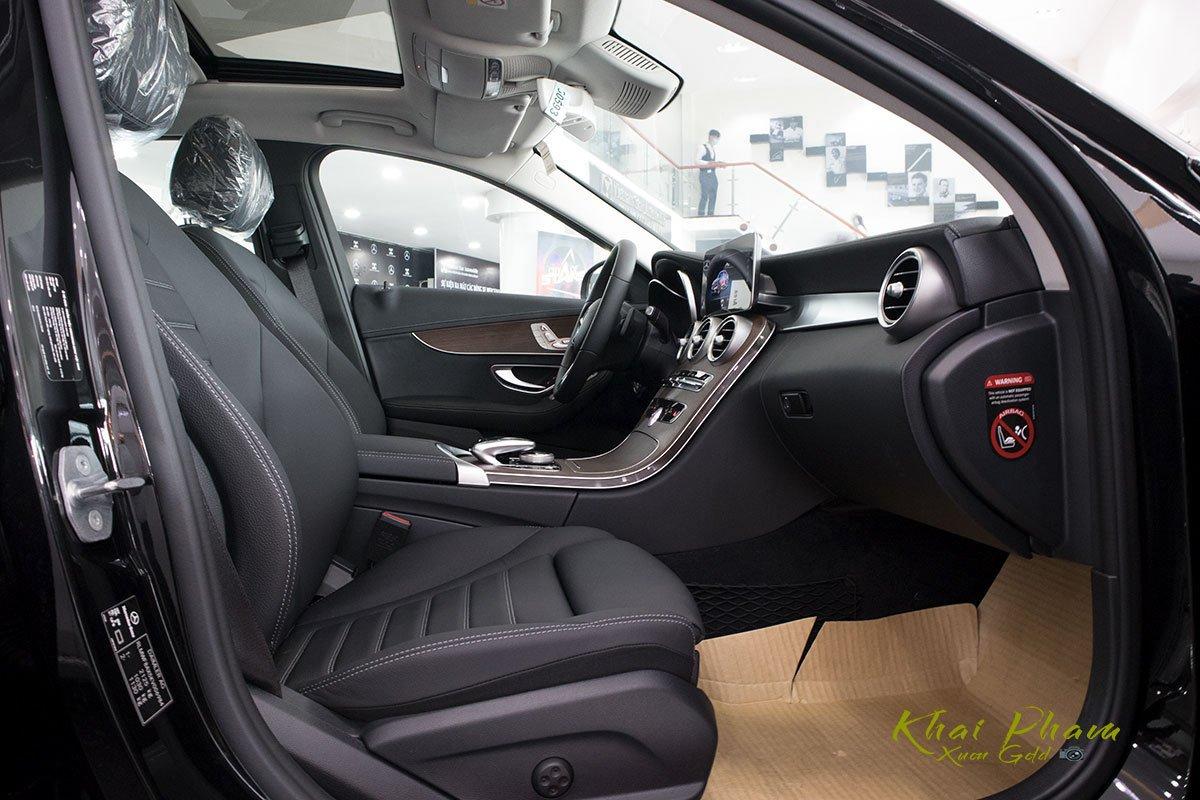 Hình ảnh ghế phụ xe Mercedes-Benz C 200 Exclusive 2020