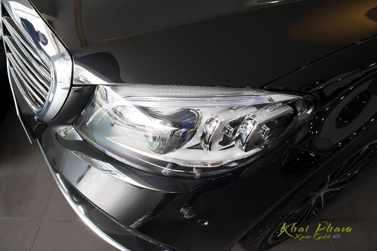 Hình ảnh chụp đèn pha xe Mercedes-Benz C 200 Exclusive 2020 1