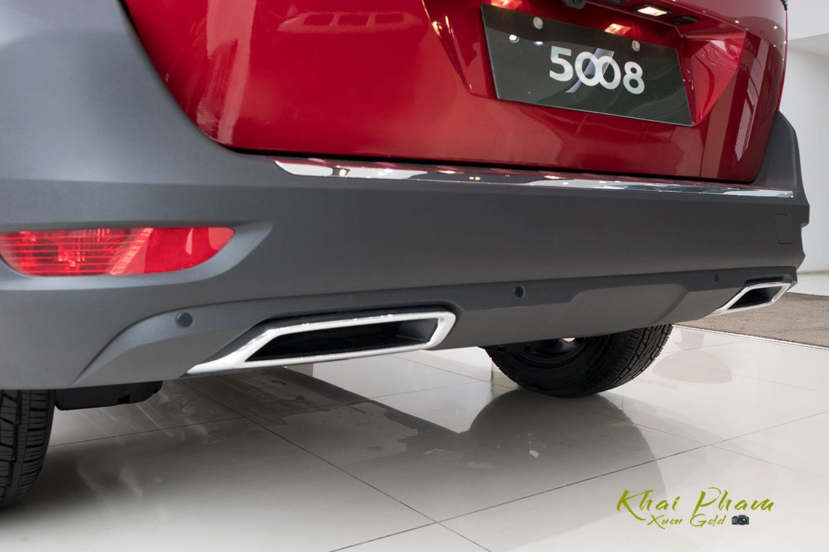 Ảnh chụp cản sau xe Peugeot 5008 2020