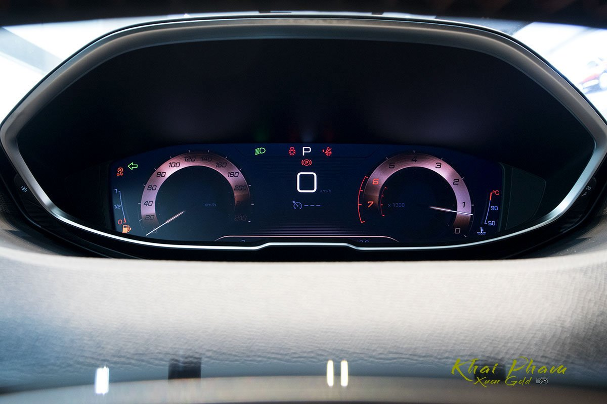 Ảnh chụp đồng hồ xe Peugeot 5008 2020 1