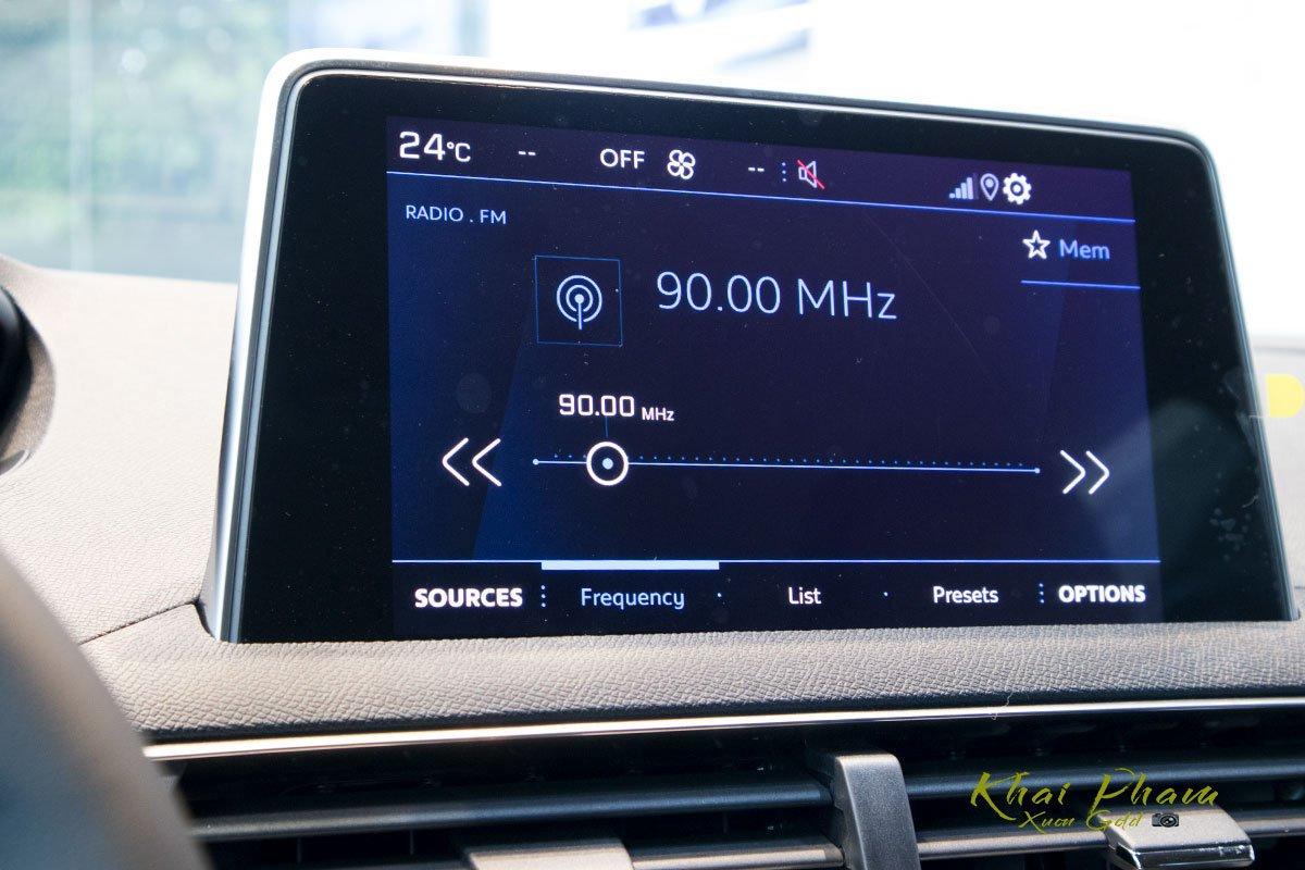Ảnh chụp màn hình xe Peugeot 5008 2020