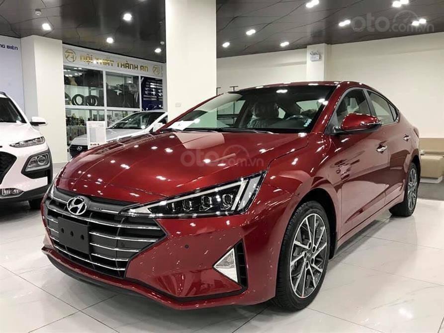 Bán Hyundai Elantra MT 2020, màu đỏ, xe nhập, giá chỉ 548 triệu - giao xe toàn quốc (1)