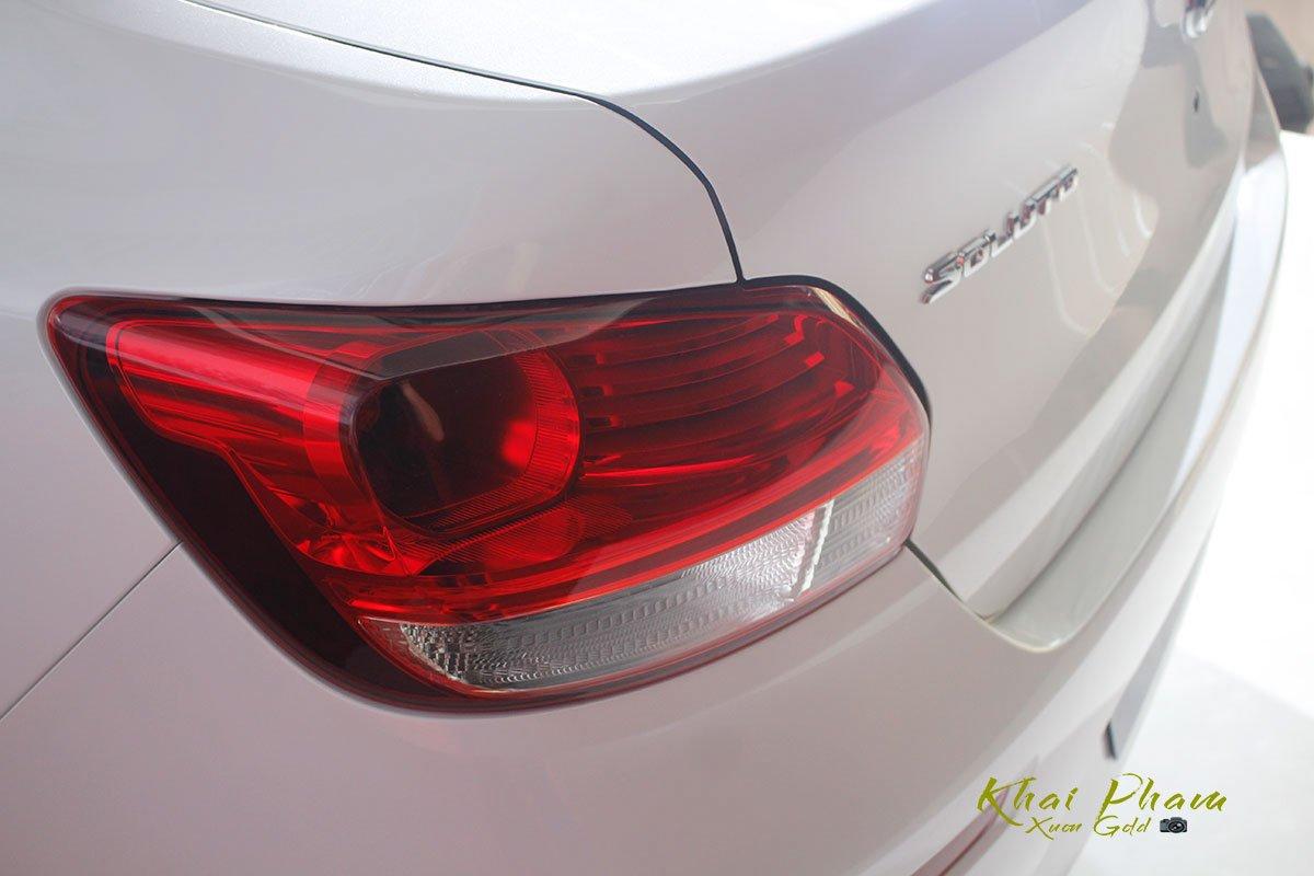 Ảnh chụp đèn hậu xe Kia Soluto 2020