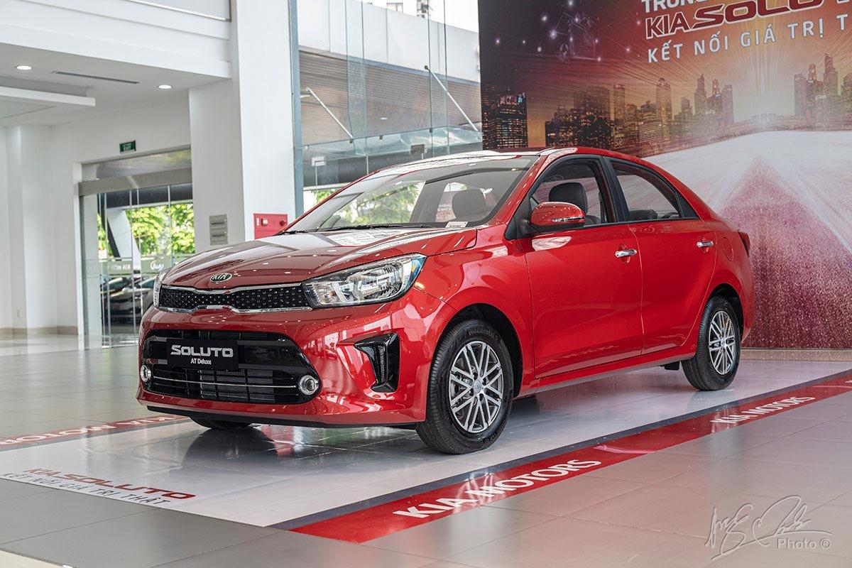 Kia Soluto 2019 lại cung cấp khả năng tăng tốc tốt hơn so với Mitsubishi Attrage 2020.