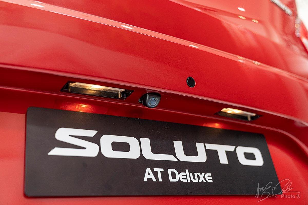 Hệ thống camera lùi và cảm biến lùi của Kia Soluto 2019.