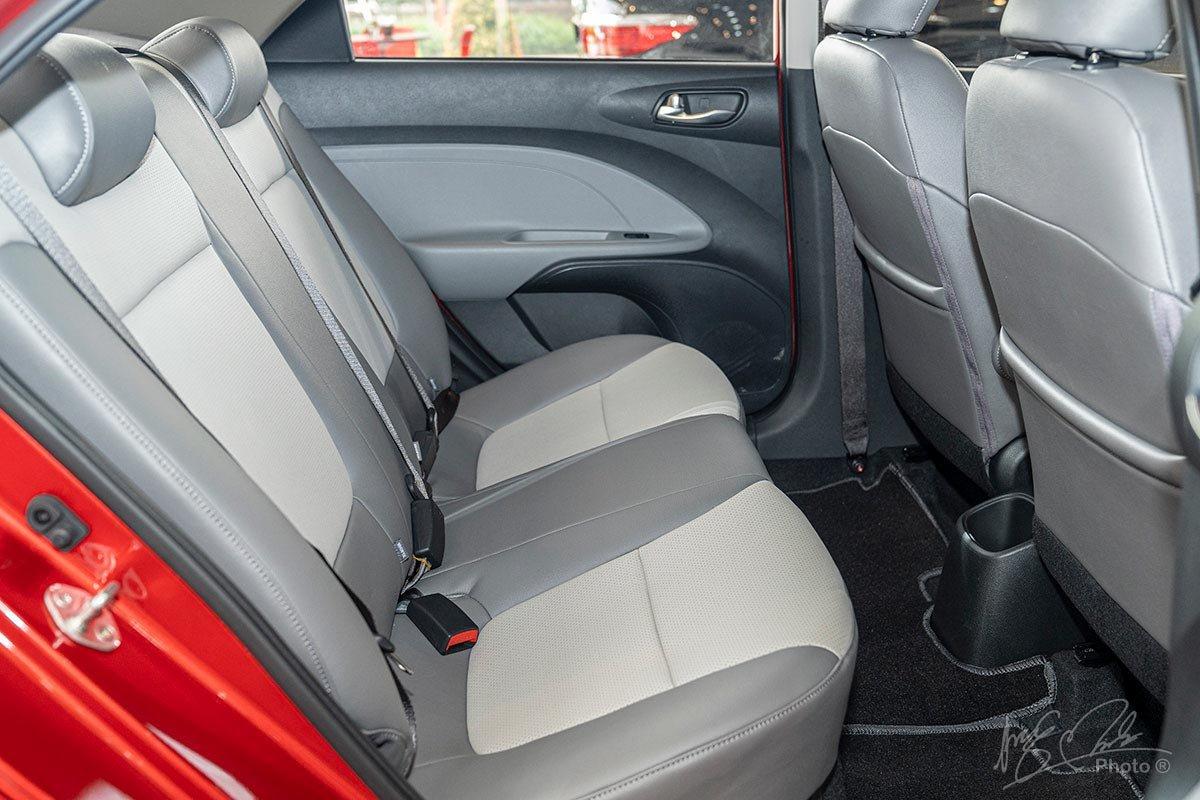 Ghế ngồi phía sau của Kia Soluto 2019.