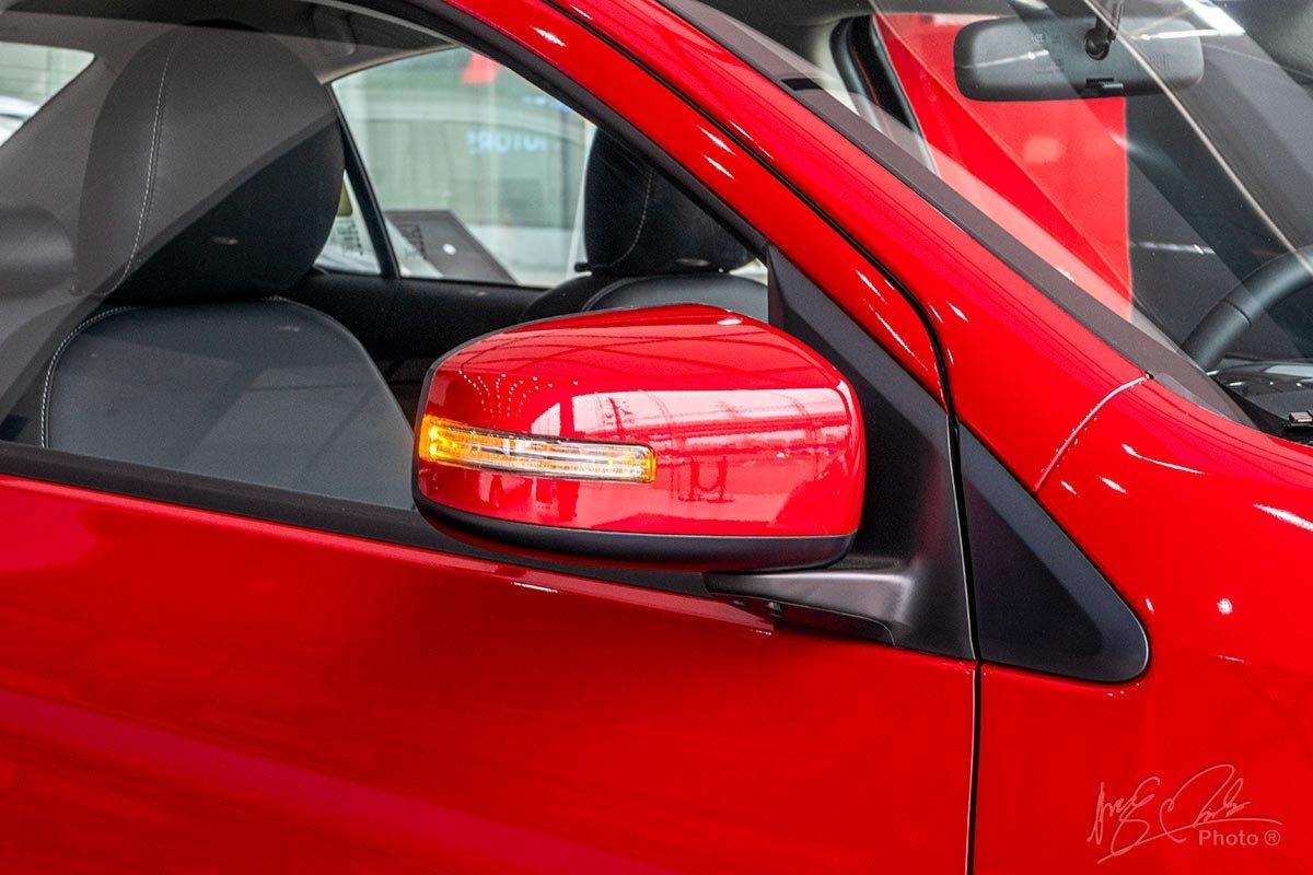 Gương chiếu hậu bên của Mitsubishi Attrage 2020.