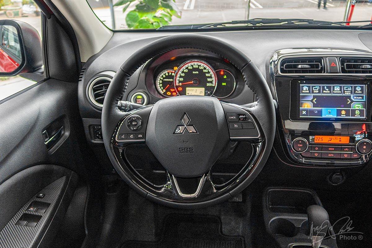 Vô-lăng của Mitsubishi Attrage 2020.