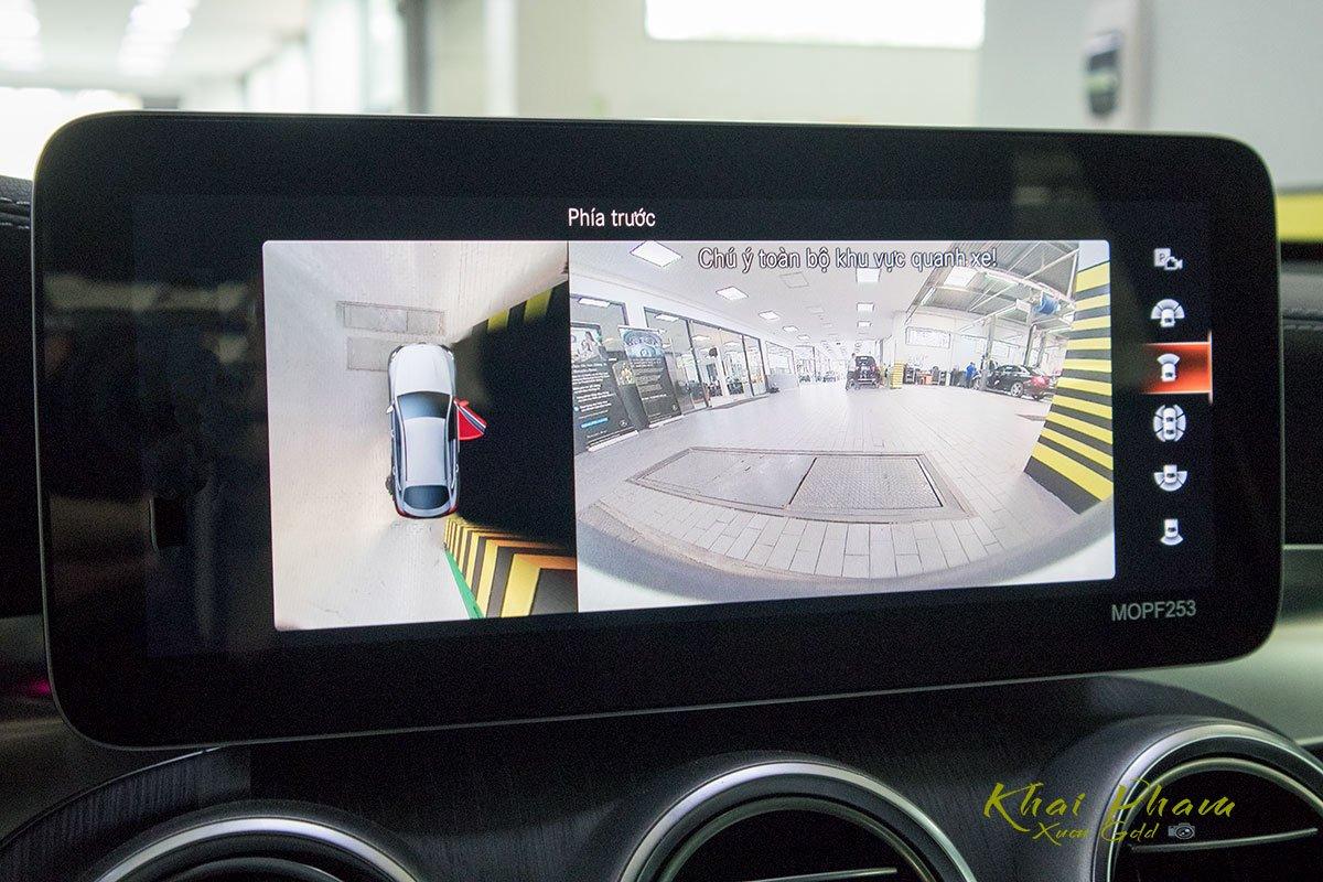 Ảnh chụp camera xe Mercedes-Benz GLC 300 Coupe 2020