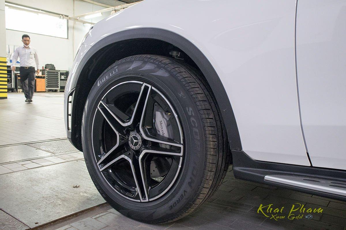 Ảnh chụp mâm xe Mercedes-Benz GLC 300 Coupe 2020