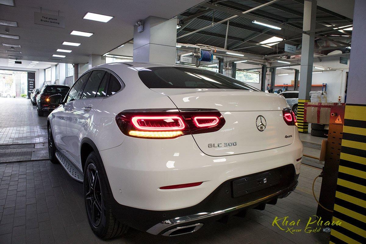 Ảnh chụp đuôi xe Mercedes-Benz GLC 300 Coupe 2020