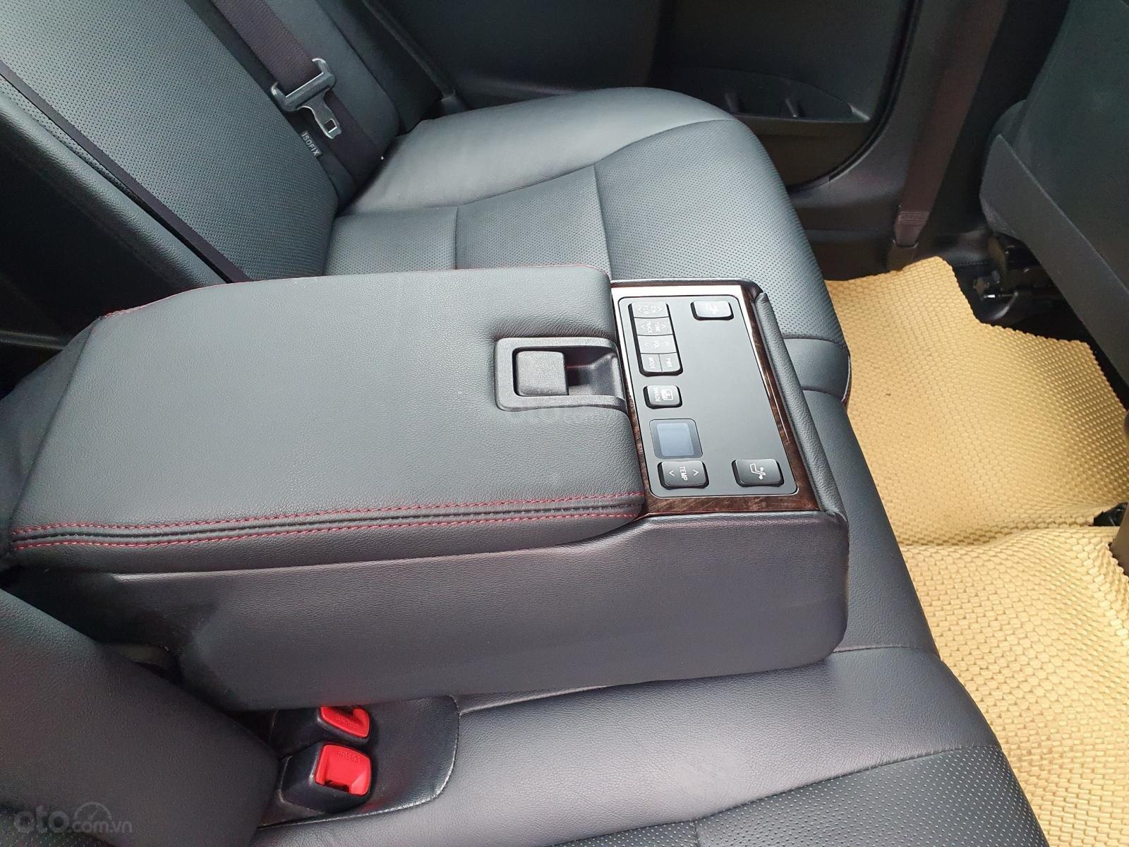 Cần bán  Toyota Camry 2.5  sản xuất năm 2015 siêu mới (8)