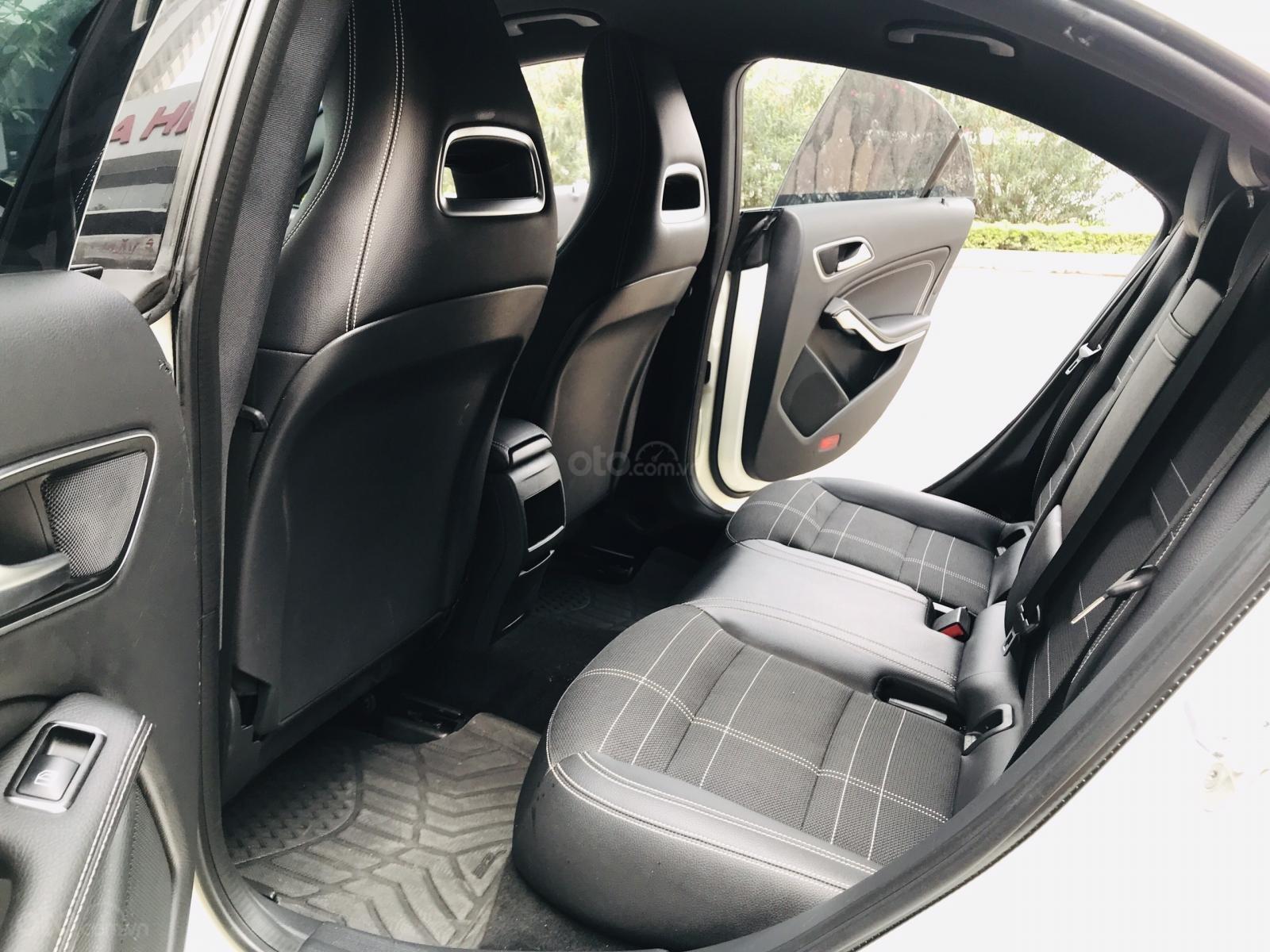 Mercedes Benz CLA 200 model 2017, nhập khẩu, mới leng keng (9)