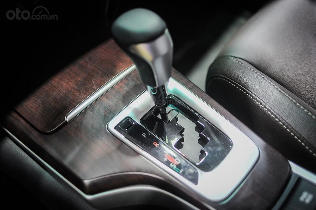 Fortuner 2.7AT máy xăng 2020, giá tốt, giao ngay, hỗ trợ trả góp lãi suất tốt, hỗ trợ đăng ký, giao xe tại nhà (10)