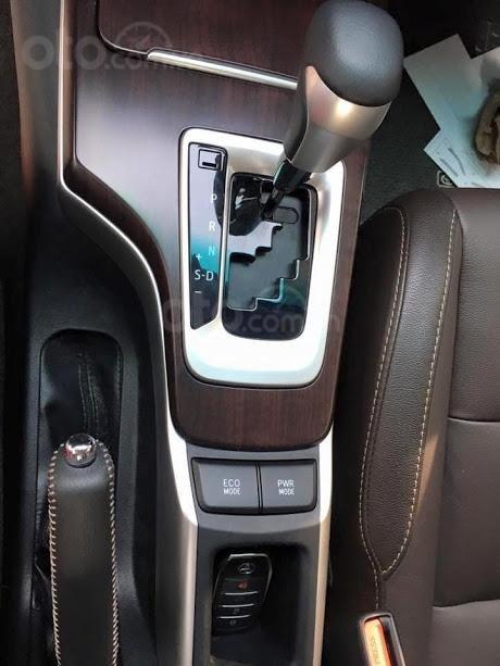 Fortuner 2.7AT máy xăng 2020, giá tốt, giao ngay, hỗ trợ trả góp lãi suất tốt, hỗ trợ đăng ký, giao xe tại nhà (12)