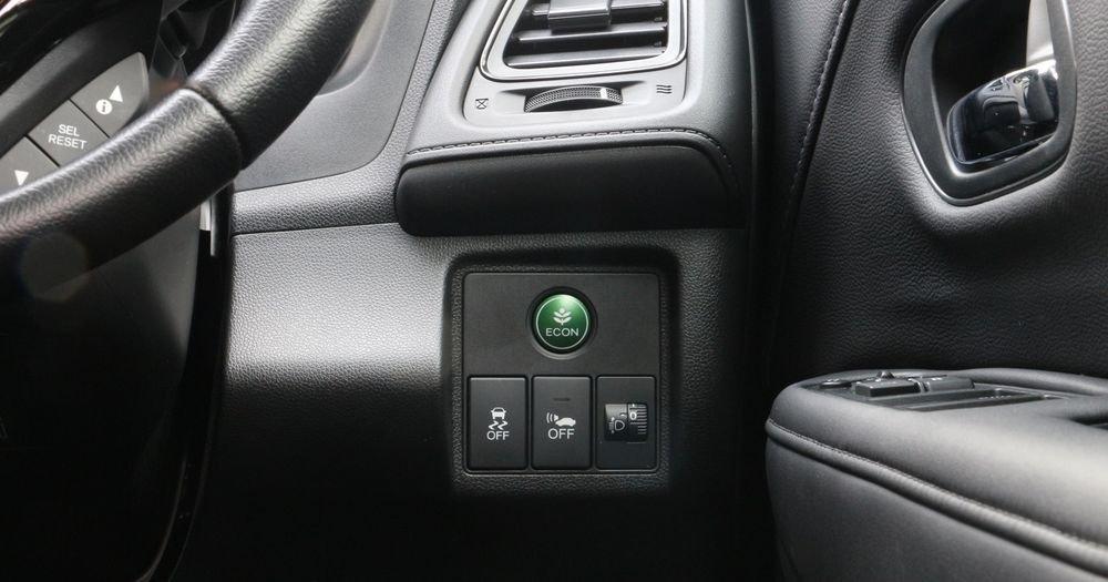 Chế độ Eco Mode điều chỉnh xe vận hành tiêu thụ ít nhiên liệu hơn.