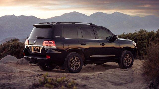 Ngoại thất xe Toyota Land Cruiser 2019