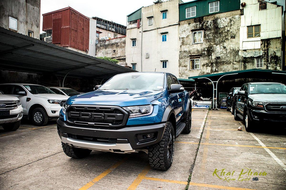Ảnh chụp trước xe Ford Ranger Raptor 2020