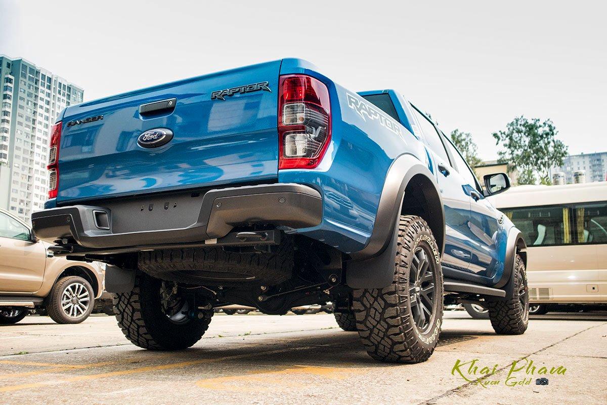 Ảnh chụp đuôi xe Ford Ranger Raptor 2020