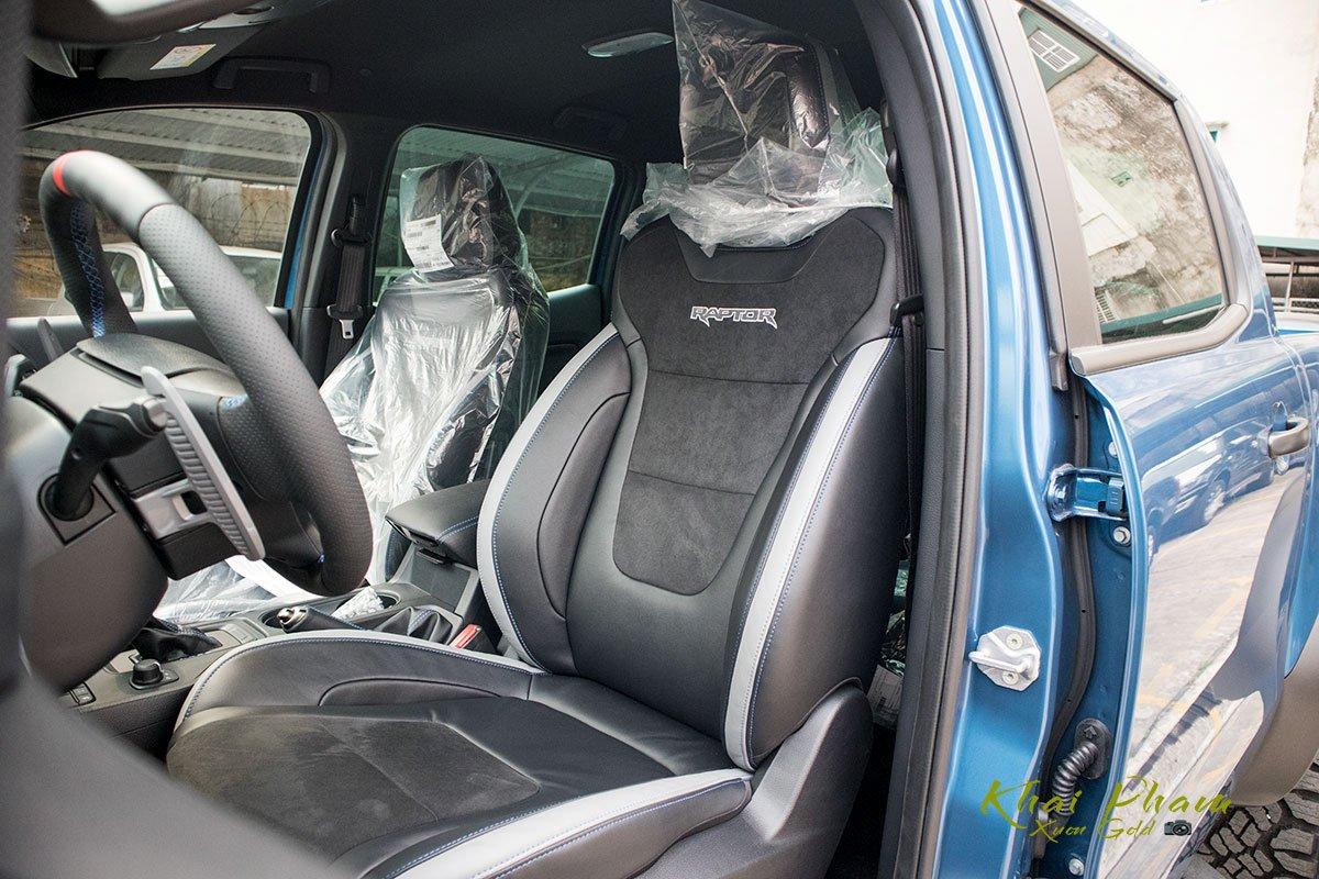 Ảnh chụp ghế trước xe Ford Ranger Raptor 2020