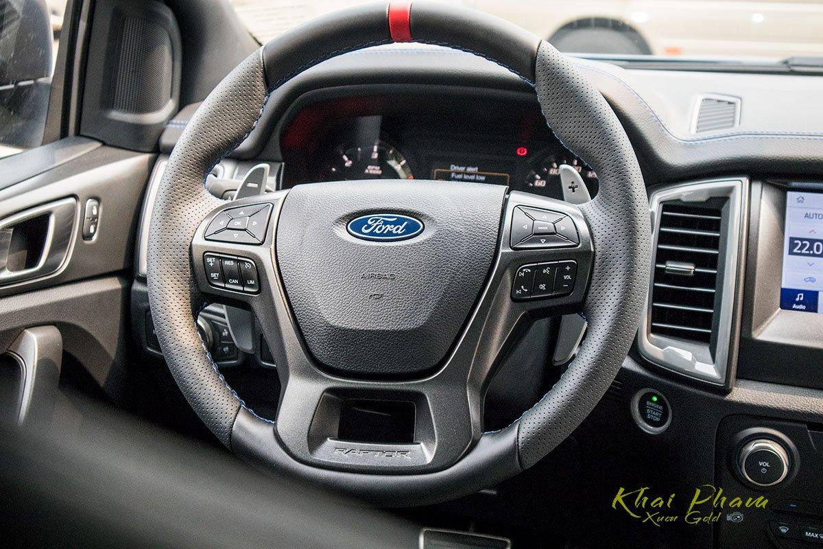 Ảnh chụp vô-lăng xe Ford Ranger Raptor 2020