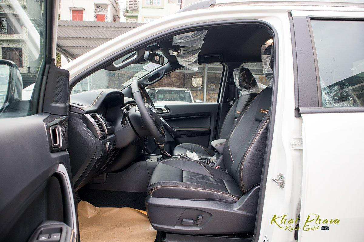 Ảnh chụp ghế lái xe Ford Ranger Wildtrak 2020