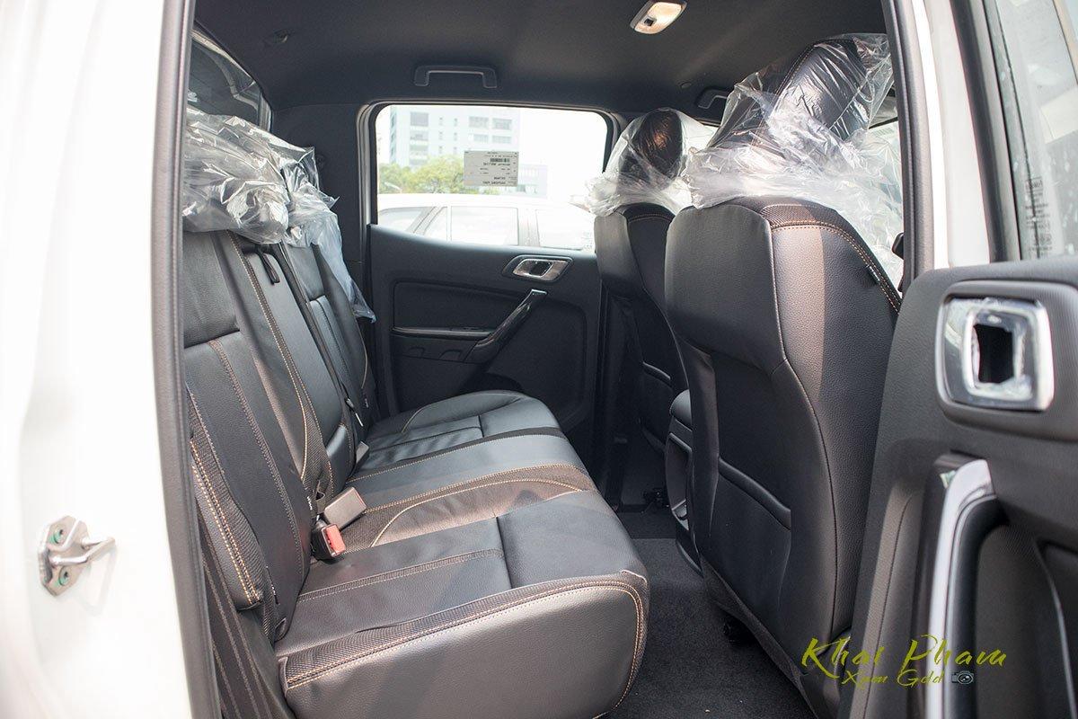 Ảnh chụp ghế sau xe Ford Ranger Wildtrak 2020