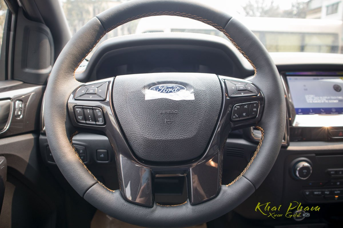 Ảnh chụp vô-lăng xe Ford Ranger Wildtrak 2020