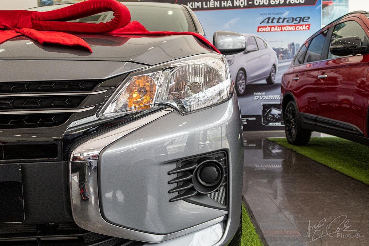 Đánh giá xe Mitsubishi Attrage MT 2020: Đèn sương mù không được trang bị tiêu chuẩn.
