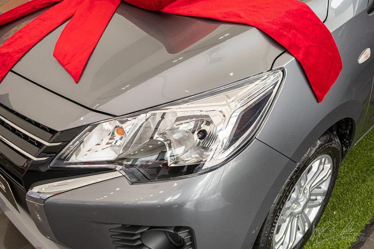 Đánh giá xe Mitsubishi Attrage MT 2020: Đèn pha sử dụng bóng Halogen.