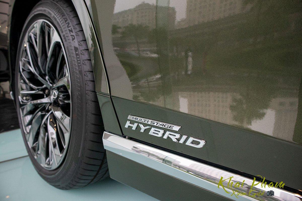 Ảnh chụp thân xe Lexus LS 500h 2020