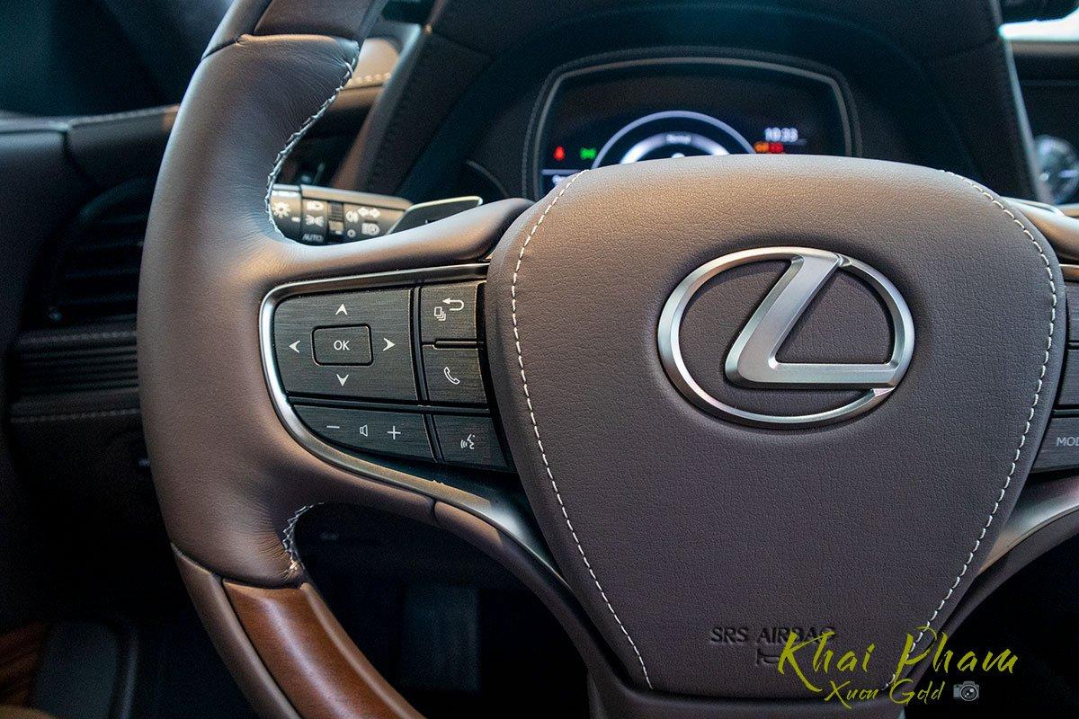 Ảnh chụp nút bấm xe Lexus LS 500h 2020