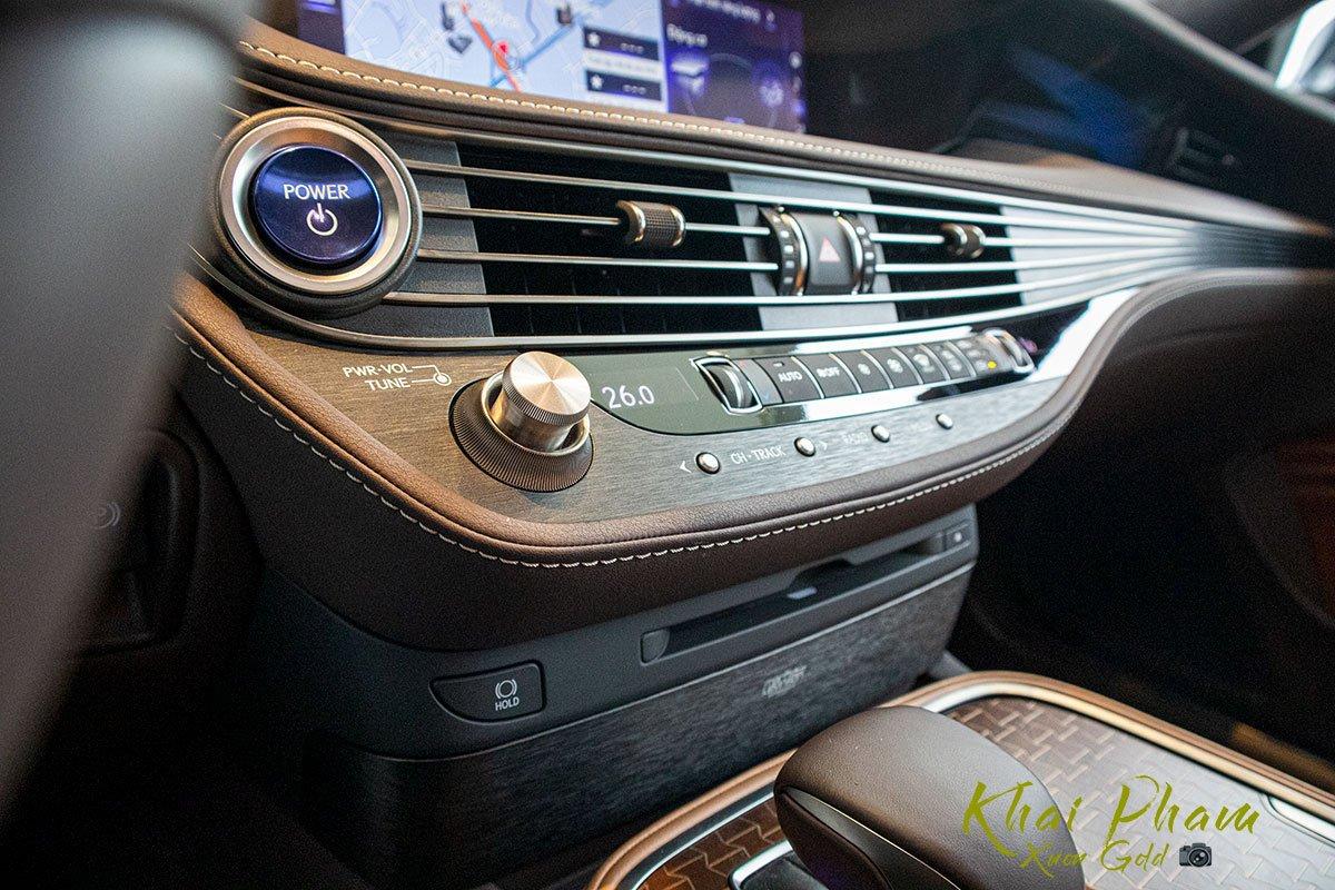Ảnh chụp cụm điều hoà xe Lexus LS 500h 2020 1