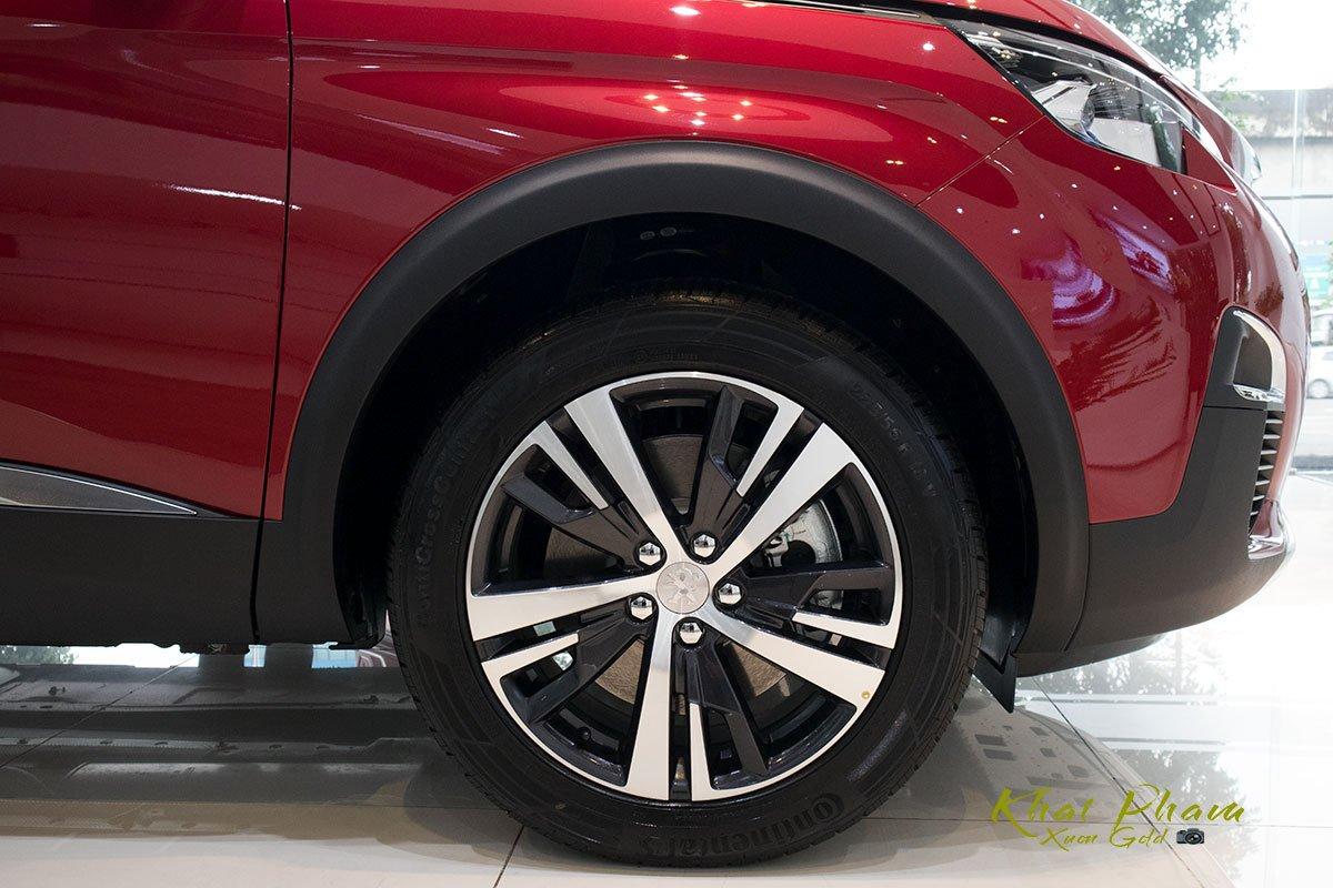 Ảnh chụp mâm xe Peugeot 5008 2020