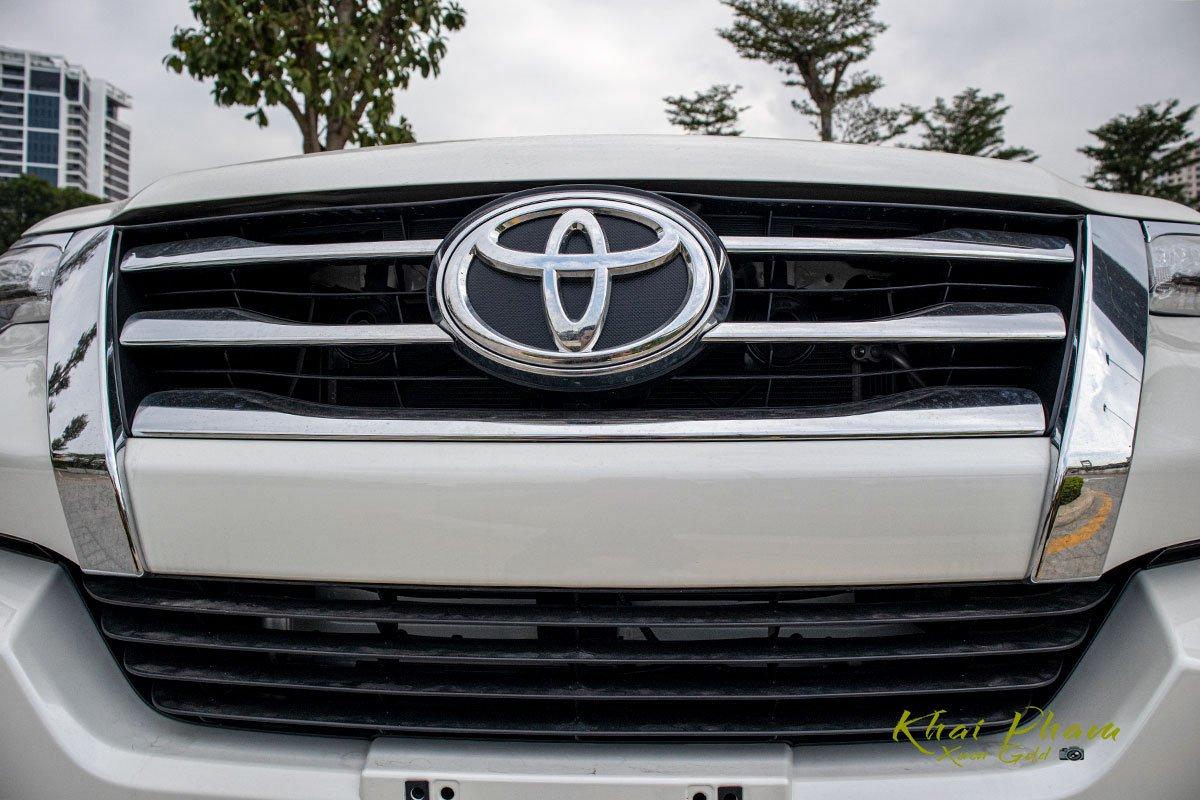 Ảnh chụp Lưới tản nhiệt xe Toyota Fortuner 2020