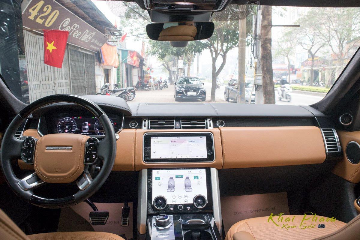 Ảnh chụp khoang lái xe Range Rover Autobiography LWB