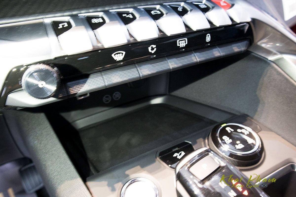 Ảnh chụp điều hoà xe Peugeot 5008 2020
