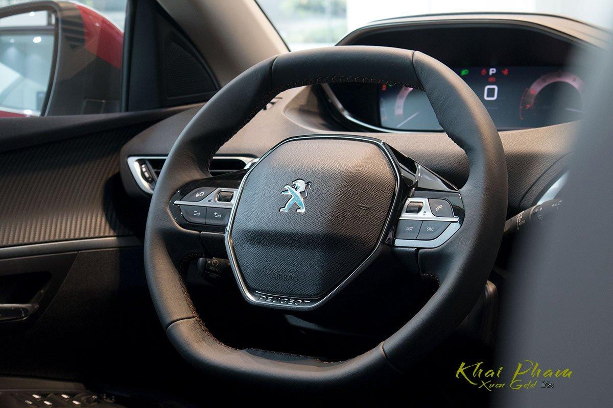 Ảnh chụp vô-lăng xe Peugeot 5008 2020