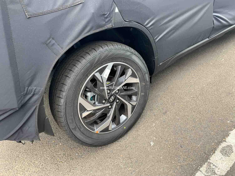 Hyundai Creta 7 chỗ còn ẩn chứa nhiều bí ẩn.