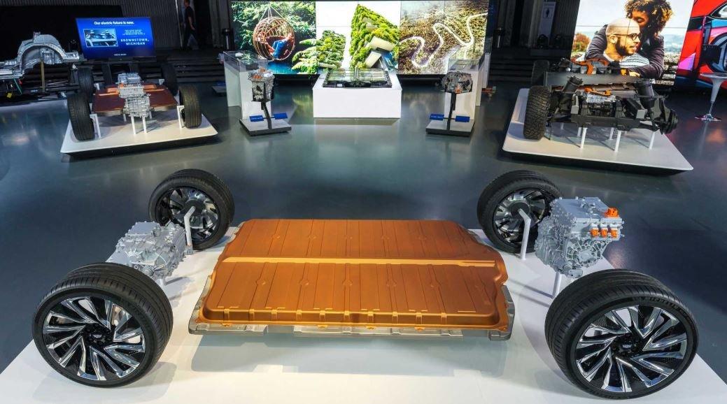 Ô tô điện Honda hợp tác GM để có lợi đôi đường.
