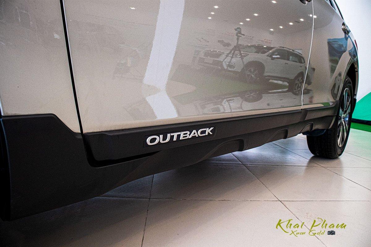 Ảnh chụp bên sườn xe Subaru Outback 2020 1